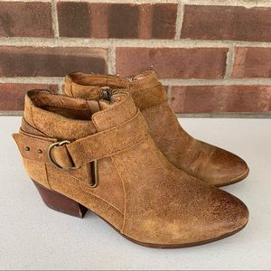 Clarks Brown Leather Low Chucky Heel Ankle boots